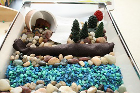 Bear Habitat Sensory Bin (Photo by Julie at The Adventures of Bear)