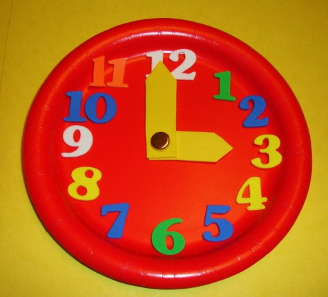 New Year Clock Craft for Kids (Photo from Learning Ideas Grades K-8)