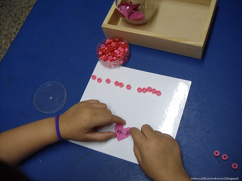 Valentine Math Work (Photo from Mi Escuelita Montessori)