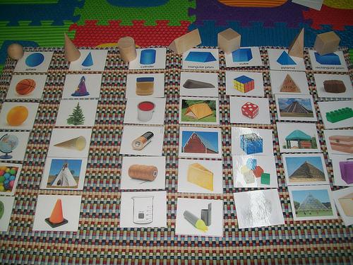 Geometric Solids Sorting (Photo from Mi Escuelita Montessori)