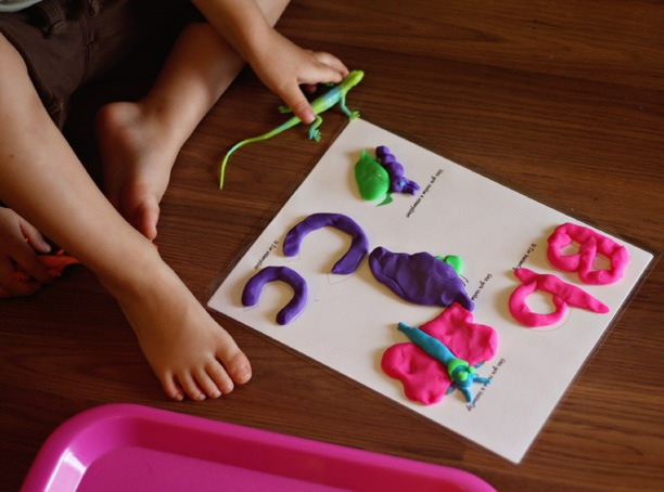 Butterfly Play Doh Mat (Photo from 1+1+1=1)
