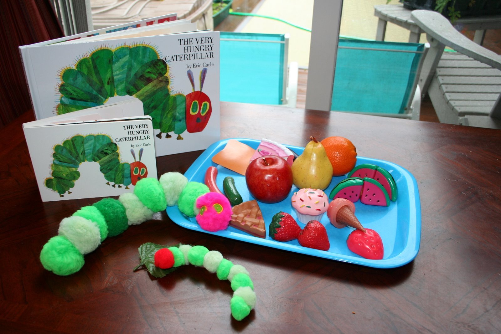 Make Your Own Very Hungry Caterpillar (Photo from Pink and Green Mama)