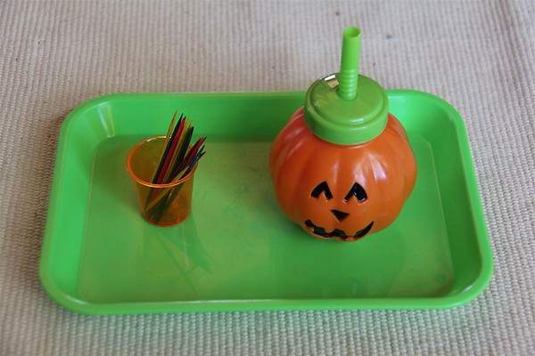 Halloween Fine-Motor Activity from Chasing Cheerios