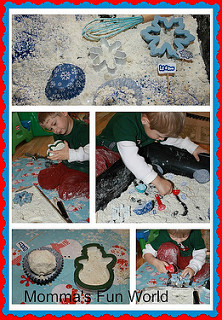 Holiday Scented Sensory Cloud Dough Tub (Photo from Momma's Fun World)