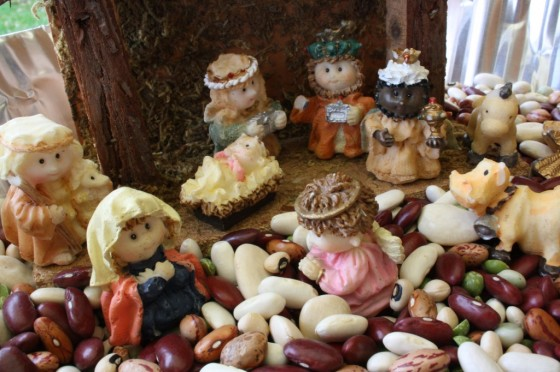 Nativity Sensory Bin (Photo from Happy Hooligans)