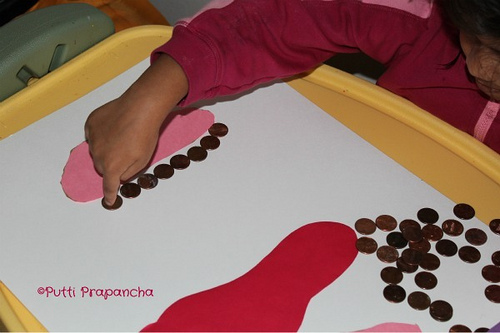 Measuring Feet Activity (Photo from Putti's World)