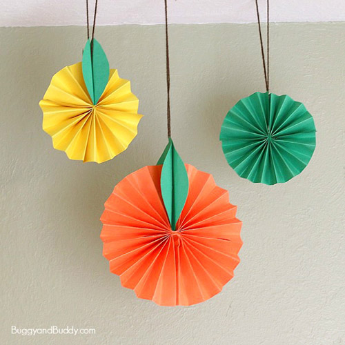 Hanging Citrus Fruit Paper Craft for Kids (Photo from Buggy and Buddy)