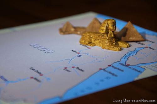 Egyptian Landmarks on Political Map of Egypt