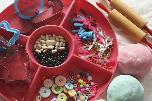 Christmas Playdough Activity Tray (Photo from Happy Hooligans)