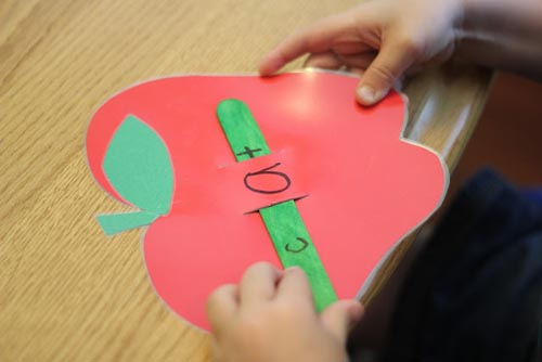 Short Vowel Apples (Photo from Toddler Approved)