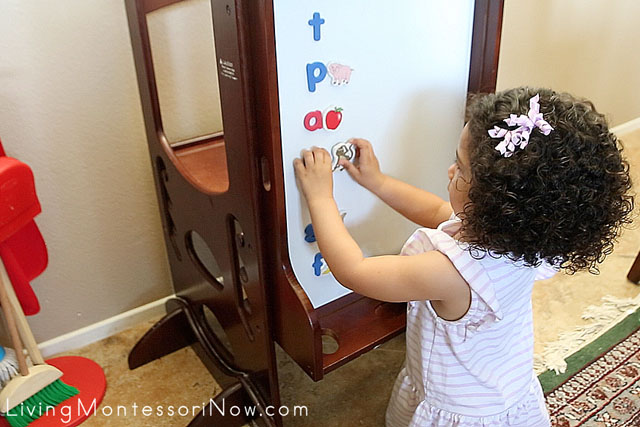 Matching Magnetic Letters and Pictures