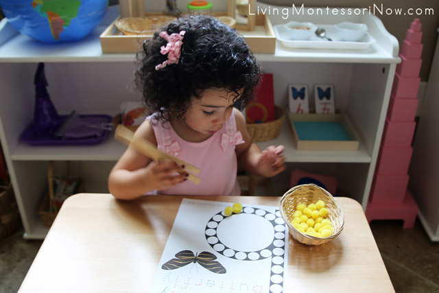 Fine-Motor Work with Pom Poms and Butterfly Do-a-Dot Printable