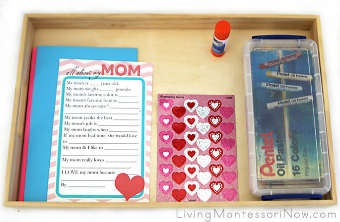 Simple Mother's Day Card Tray with Mother's Day Questionnaire