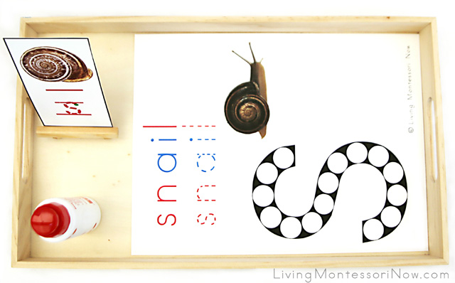 Snail Do-a-Dot Letter S Tray with Do-a-Dot Marker