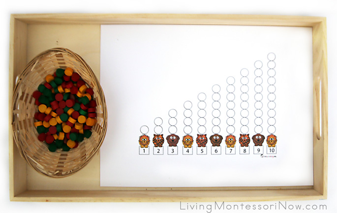 Ten Apples Up On Top Math Tray with Spielgaben Wooden Dots