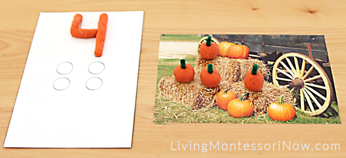 Pumpkin Playdough Counting Mats