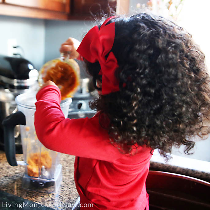 Putting Pumpkin Puree in Blender