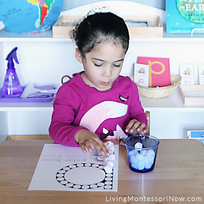 "Counting ""Snowballs"" on Polar Bear Letter P Do-a-Dot Printable"