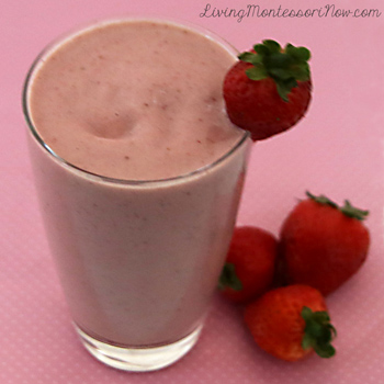 Super-Healthy & Super-Yummy Strawberry Pineapple Smoothie