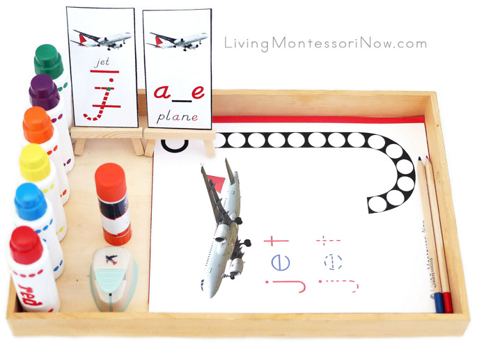 Multi-Level Tray with Jet Do-a-Dot Printable, Do-a-Dot Markers, and Jet Airplane Punch