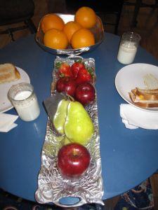 Very Hungry Caterpillar Lunch (Photo from OurMontessoriHome.Wordpress.com)