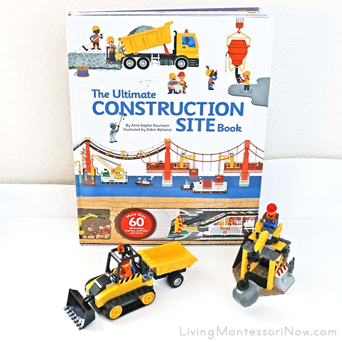 The Ultimate Construction Site Book with Parts of the LEGO City Construction Bulldozer Set